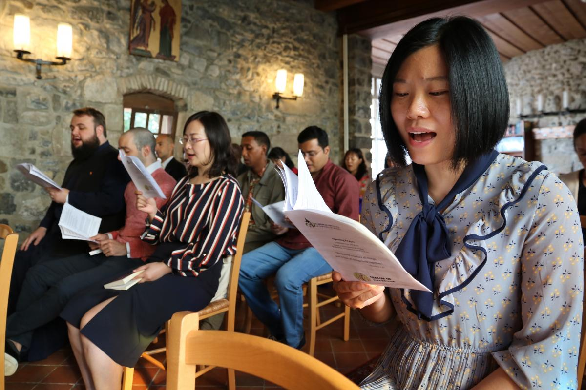 Students singing at the opening prayer. Photo: Camille Vianin/WCC