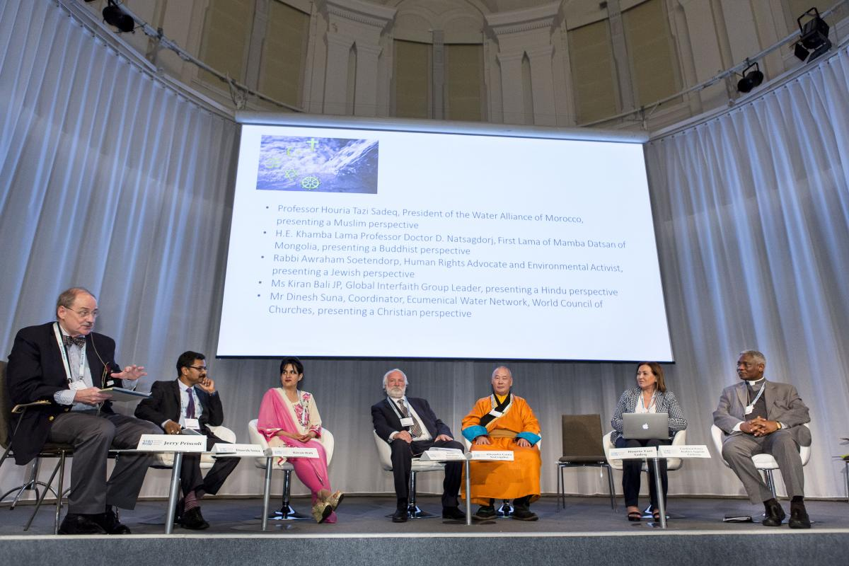 Panel discussing how faith can contribute to achieving the UN SDGs. © Thomas Henrikson/SIWI
