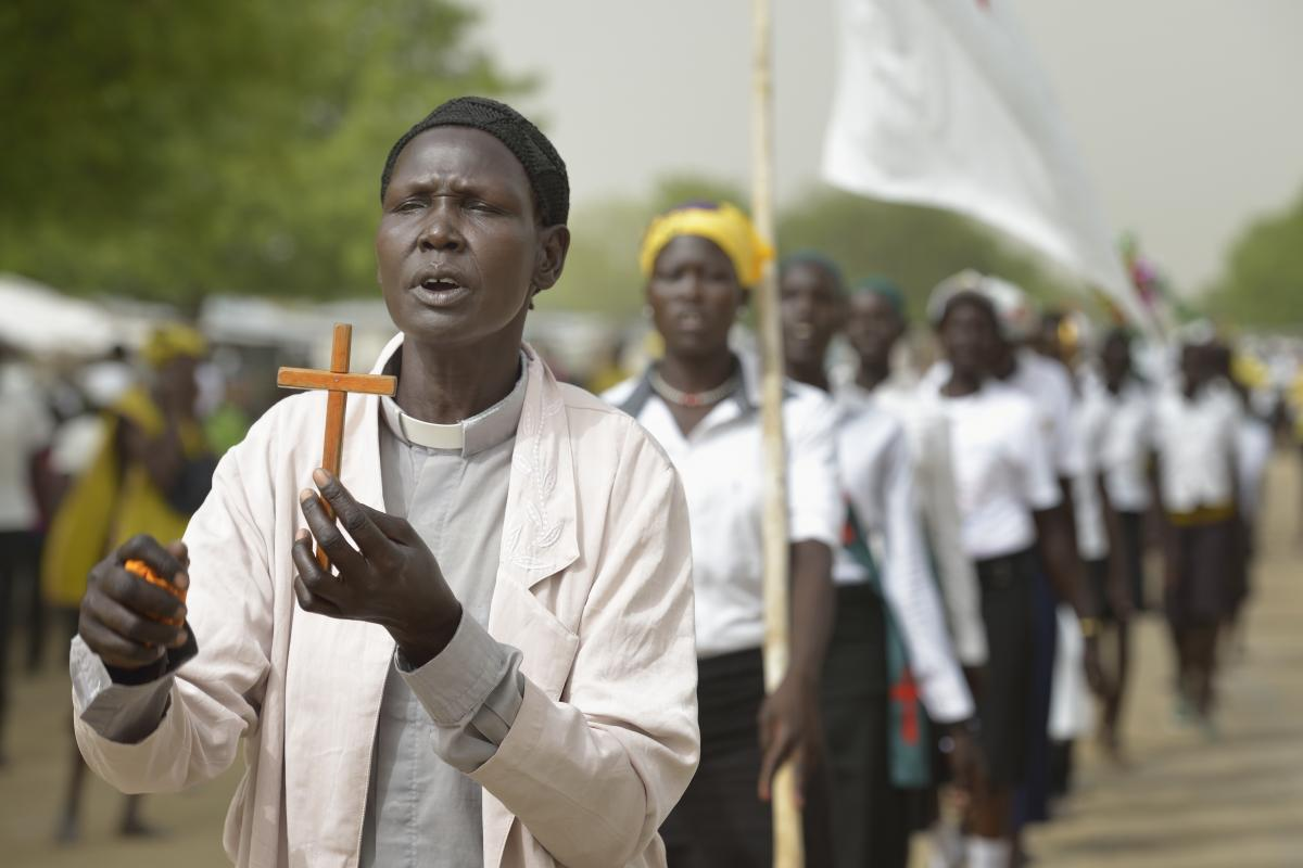 Christians in a procession on Easter Sunday in Pawel village in South Sudan's Jonglei State. Photo: Paul Jeffrey/ACT