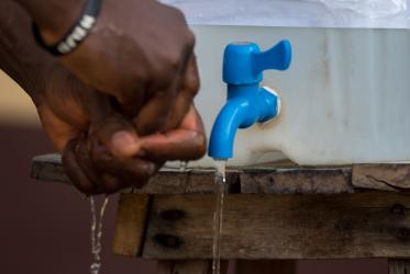 Hands are washed as a precaution, Ganta, Liberia, Photo: Albin Hillert