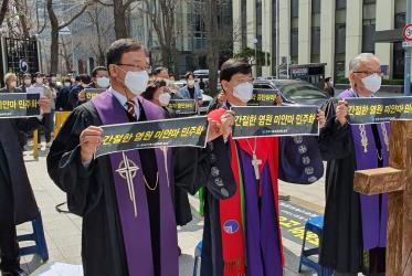 PROK bishops praying for Myanmar in front of the Myanmar embassy in Seoul.