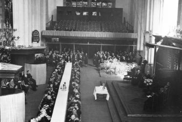 Communion Service at the WCC Amsterdam assembly, 1948. Photo: WCC Archive