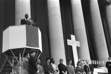 Philip Potter speaking at Kirchentag in Munich, 1959. Photo: WCC