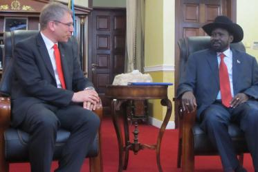 WCC general secretary Olav Fykse Tveit with President Salva Kiir in Juba.